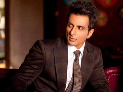 Sonu Sood finds a title for his book - 'I Am no Messiah'