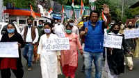 Uttarakhand: Congress protests against Modi government over rising fuel prices