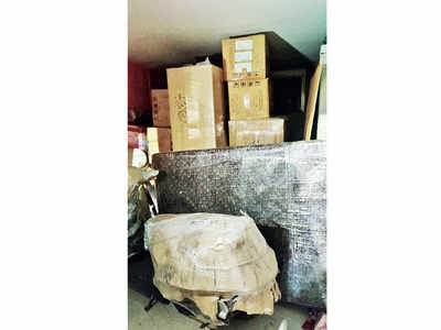 Movers and packers hold cargo to ransom