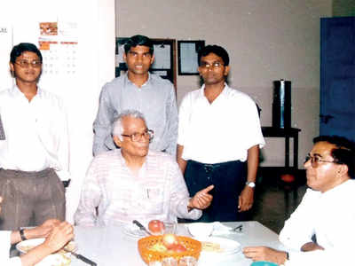 In Mangaluru, George Fernandes will continue to live in his books