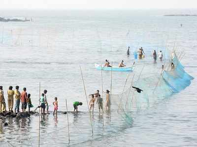 Maharashtra fishermen warned not to venture into the Arabian Sea
