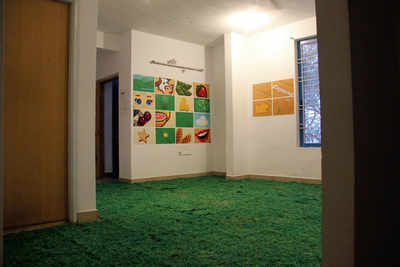 What you see when you see: An informal art gallery that cut a path of its own