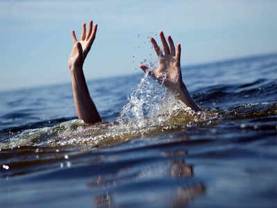 Boat capsizes off Gorai; 11 saved, two missing