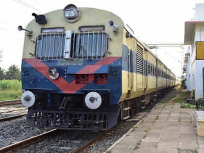 2,700 railway commuters killed in 2019, over 1,400 while crossing tracks