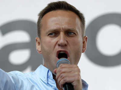 Russia allows Putin critic Navalny to be airlifted to Germany