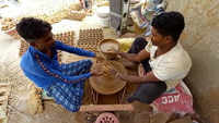 Bhopal: Potters busy making diya for Diwali festival