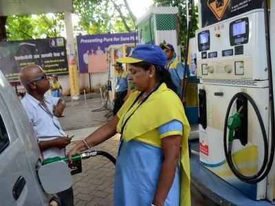 Ahmedabad: Fuel prices continue to rise; Petrol sold for Rs 80.01, diesel at Rs 78.31/litre