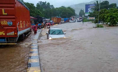 Mumbai Rains Live Updates: Juhu aerodrome gets flooded; Bombay High Court slams railways as tracks get submerged again; NDRF rescues train passengers stranded at Nalasopara