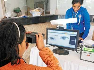 Supreme Court questions Centre for making Aadhaar mandatory for PAN cards