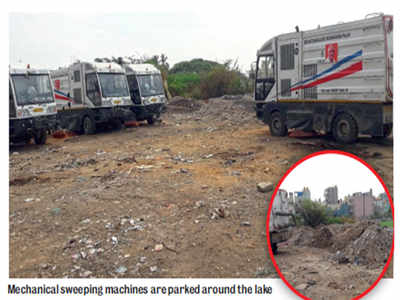 Palike sweepers are dumping dirt in lake