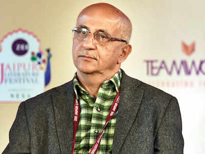 Ex-civil servants defend Harsh Mander
