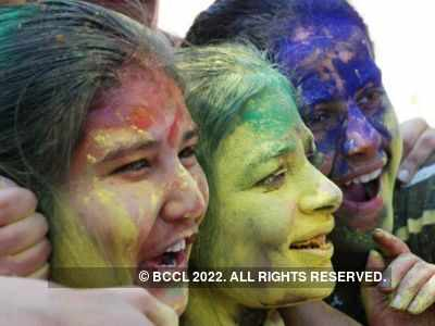 Holi 2020: Best tips to protect your skin and hair from colours