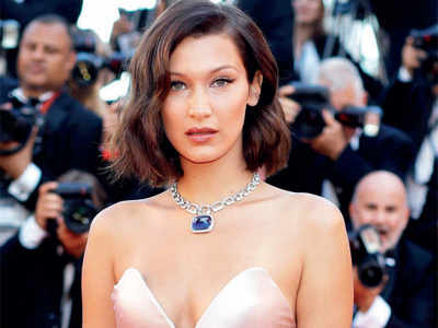 Bella Hadid restricts her access to social media