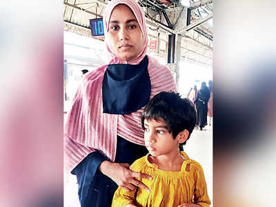 Railway police save woman and child from falling off train at Mumbra