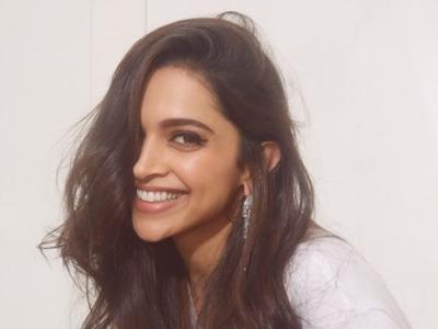 Ranveer Singh calls Deepika Padukone 'a good Sindhi bahu' for wearing a blingy outfit