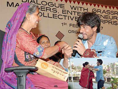Shah Rukh Khan lends his voice to SEWA's short film Hansiba