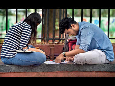UPSC candidates take over JM Road for one day