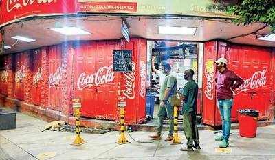 Restaurateurs seek legal action against closures