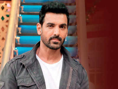 When John Abraham's mother interrupted a shoot