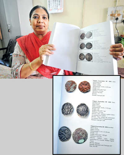 Documenting Deccan's coin collection