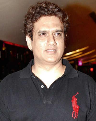 Daboo Malik turns scriptwriter