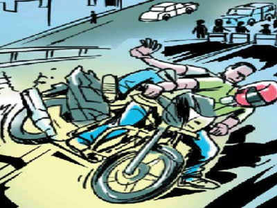 Bengaluru: Pillion rider dies after losing balance and falling off bike