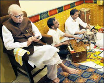 LK Advani's trip to Mumbai