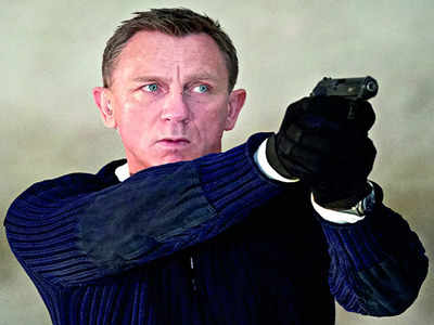 007 will always be male, says producer