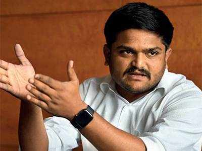 Is Hardik Patel trying to tango with AAP?