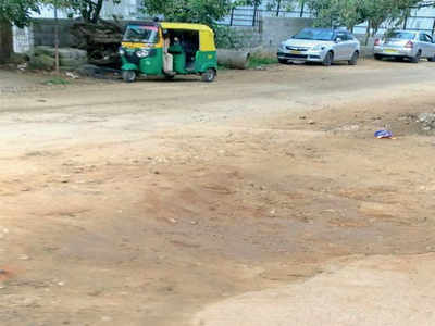 Bengaluru: 800-metre stretch, 175 potholes