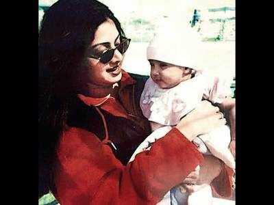 Janhvi Kapoor's love letter to mom Sridevi