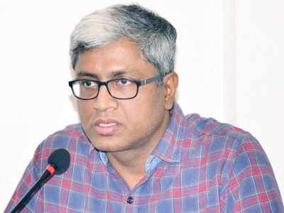 Aam Aadmi Party leader Ashutosh quits party 'for personal reason', but Arvind Kejriwal refuses to accept resignation