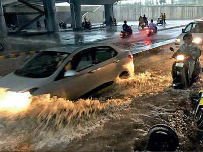 Torrential rain drowns Vadodara; 100 rescued