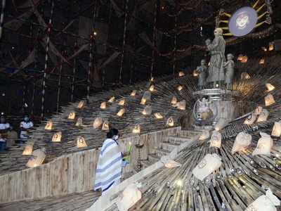 Use dole money for procuring mask, sanitizers and not entertainment purposes: Calcutta High Court to puja organisers