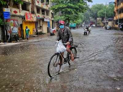Heavy rains continue to lash Mumbai and adjoining suburbs