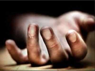 Home Guard, 2 sons jump to death under rail track in Telangana town