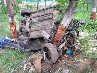 Two students die after car smashes into trees near Gandhinagar