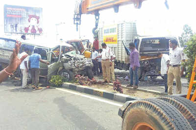 Three die as SUV rams into lorry on Kempegowda International Airport road