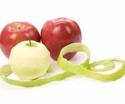An apple peel a day keeps fat away