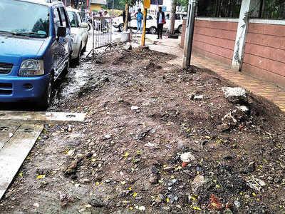 Debris on Dastur Meher Road footpath irk locals