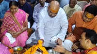 Amit Shah offers prayers at Somnath Temple