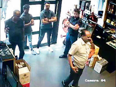 'Ab tak 121': How this south Mumbai wine shop owner trapped extortionists