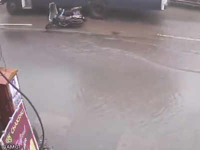 Mumbai Rains: Banned paver blocks claim pillion-rider's life in Kalyan