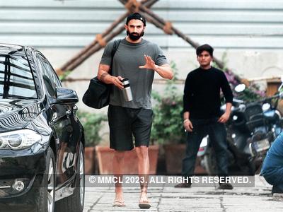 Before lockdown, Aditya Roy Kapur spotted in Bandra