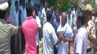 Lok Sabha election: Supporters of Sumalatha, Karnataka CM's son clash outside polling booth in Mandya