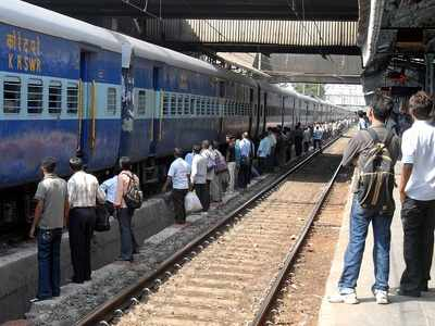 Train checked at Nagpur after bomb tip-off, allowed to proceed