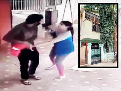 Thieves decamp with Rs 6.7L in cash from builder's house