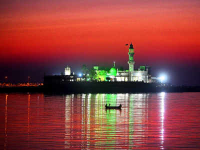Haji Ali Dargah set to get Rs 35 crore facelift with wider road, garden