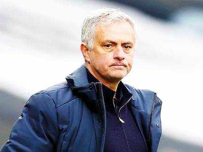 Mourinho moans as Tottenham's season unravels