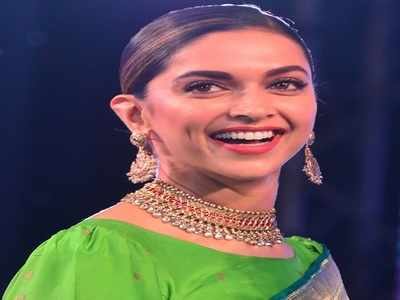 Madhuri Dixit, Manish Malhotra, Preity Zinta among others wish the Padmaavat actress